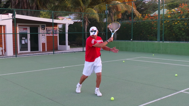 Oliver demonstrating the perfect forehand movement